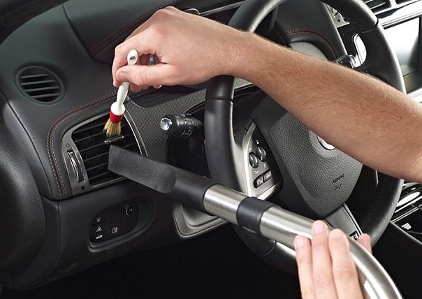 7 bước cơ bản để vệ sinh nội thất xe hơi