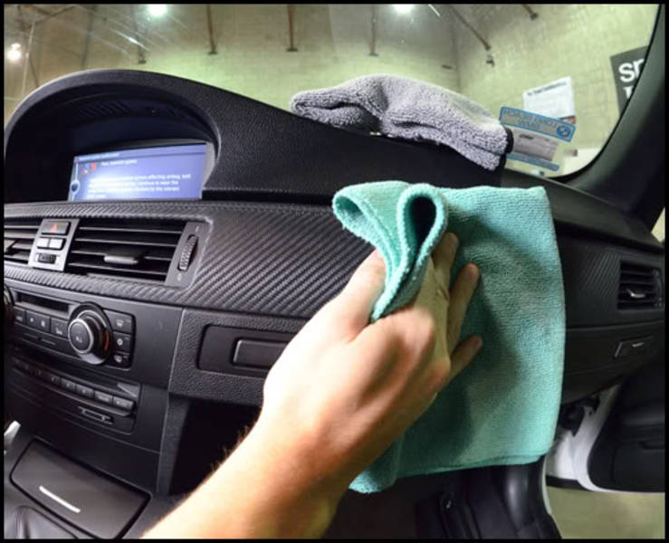 Cách làm sạch nội thất ô tô nhanh chóng và hiệu quả