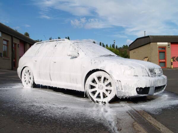 Dung dịch rửa xe bọt tuyết