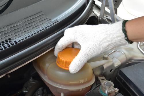 Những câu hỏi cần phải biết khi thay nước làm mát ô tô
