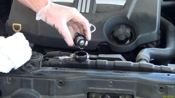 Tại sao bạn nên kiểm tra nước làm mát ô tô thường xuyên