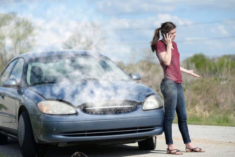 """7 Nguyên nhân khiến xe quá nóng – Kinh nghiệm khắc phục khi xe """"bốc khói"""""""